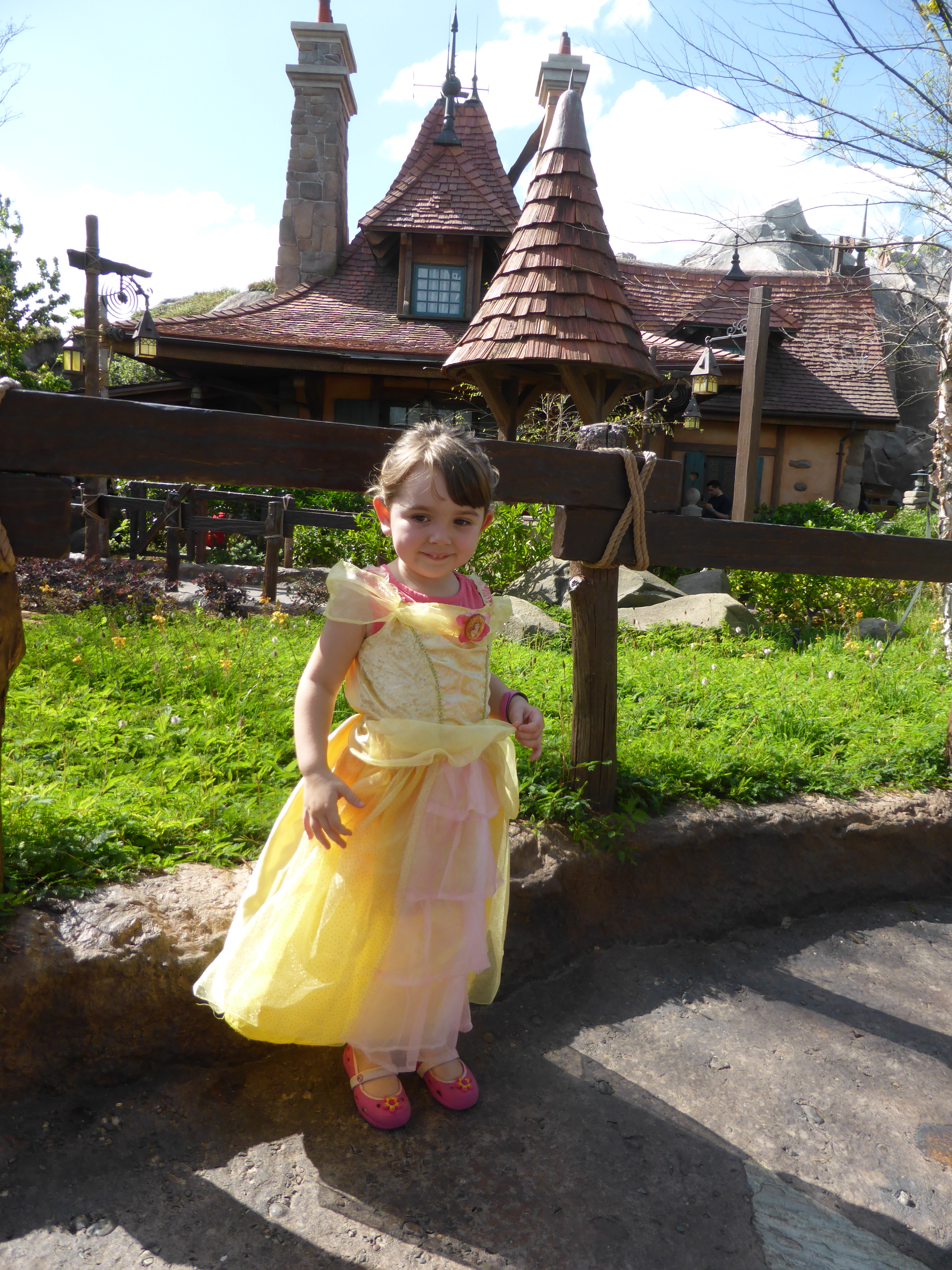 A Frugal Mom's Guide To Disney – 10 Ways To Save At Disney